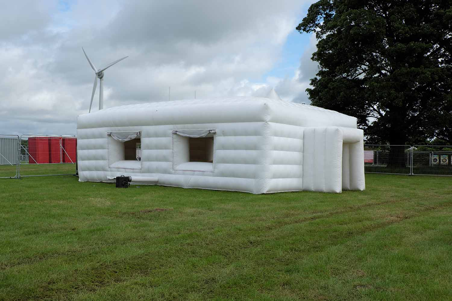 Inflatable house